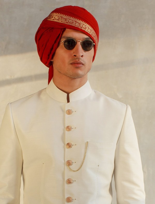 REDDISH MAROON TURBAN WITH GOLDEN BOARDER AND SHORT TAIL