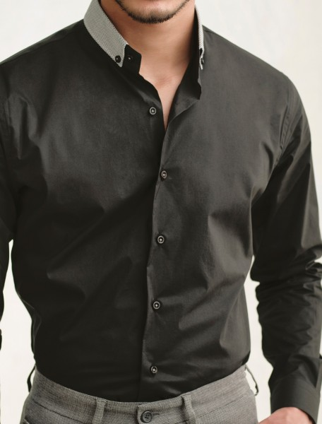 BLACK BUTTON DOWN COLLAR SHIRT