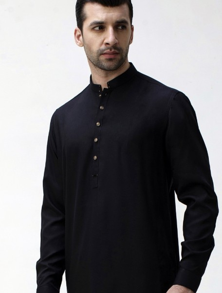 BLACK KAMEEZ SHALWAR WITH UNIQUE DETAILS